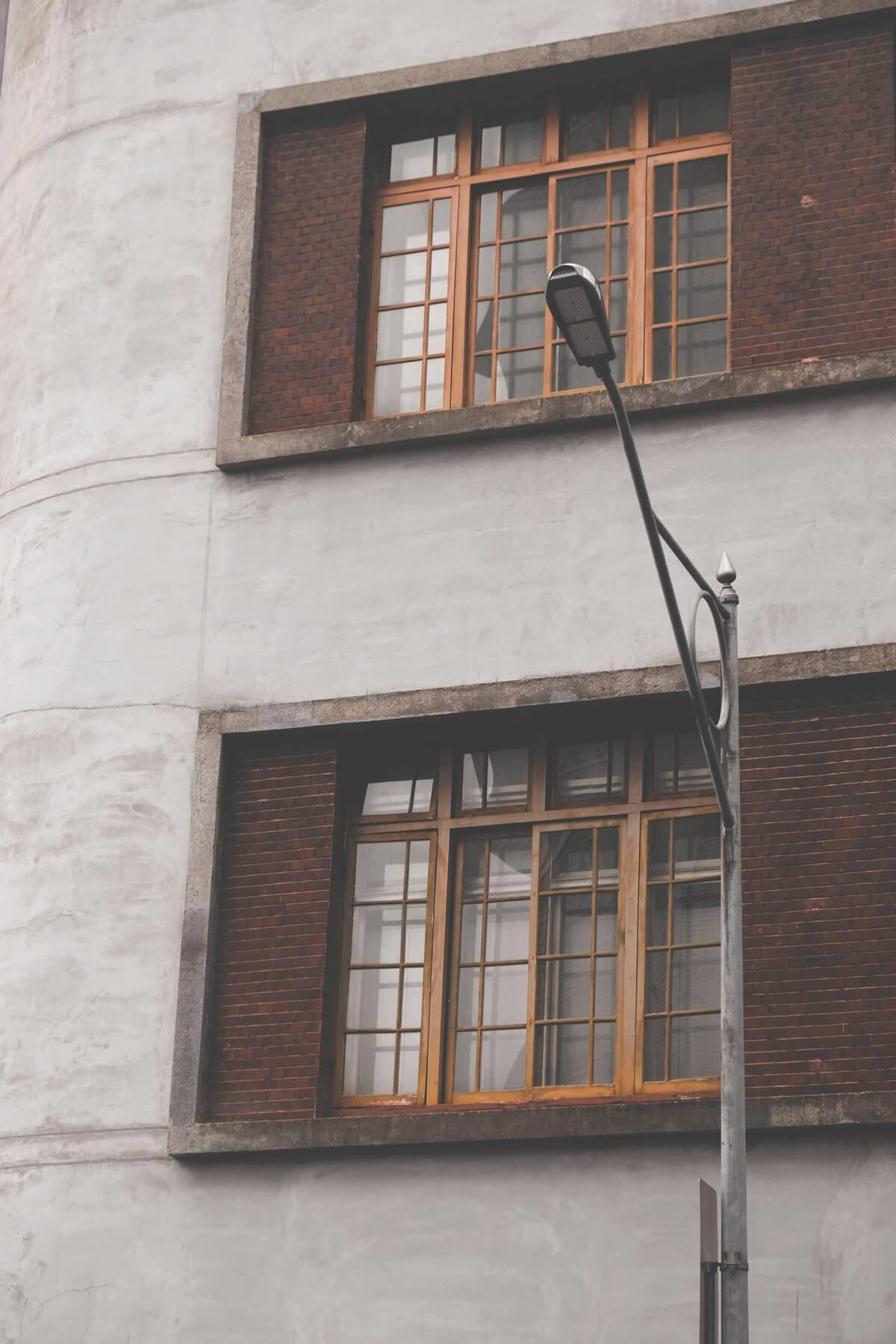 светильник консольный светодиодный уличный
